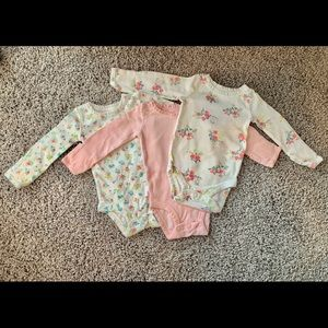 3 Newborn Long-sleeved Onesies